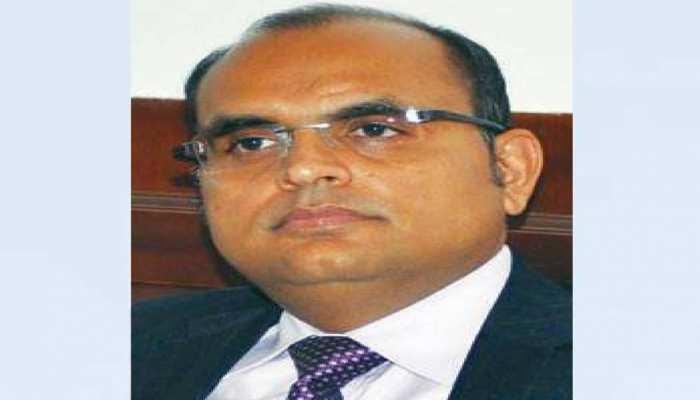 छत्तीसगढ़: बीजेपी के हारते ही CM रमन सिंह के प्रमुख सचिव ने ली लंबी छुट्टी