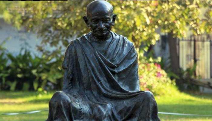 घाना में छात्रों के विरोध के बाद महात्मा गांधी की प्रतिमा को हटाया गया