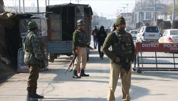 पुलवामा मुठभेड़ : अलगाववादियों ने बुलाई तीन दिन की हड़ताल