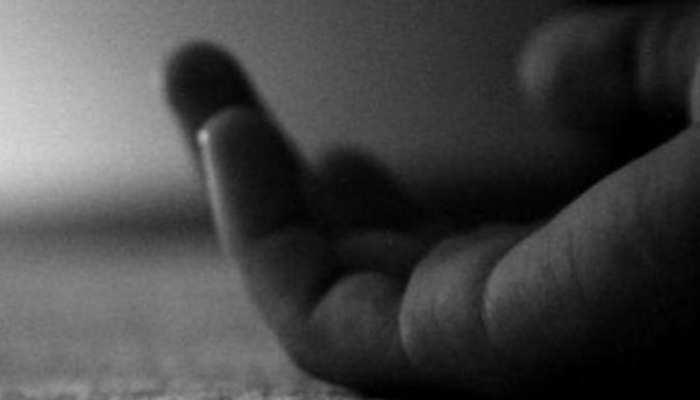 मोबाइल पर बात करने और चैटिंग करने से मां ने रोका, छात्रा ने की आत्महत्या