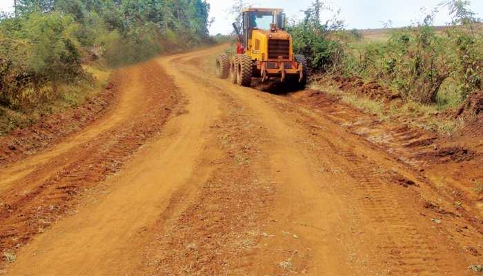 बिहार : सड़क निर्माण को लेकर दो पक्षों में जमकर पत्थरबाजी, पुलिस बनी रही मूकदर्शक