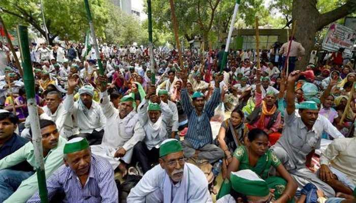 किसान कर्ज माफी: जितना कर्ज लेते हैं किसान, उससे डेढ़ गुनी रकम डुबा देते हैं धन्नासेठ
