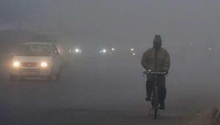 दिल्ली में सर्दी ने तोड़ा रिकॉर्ड, 5 डिग्री से नीचे पहुंचा तापमान