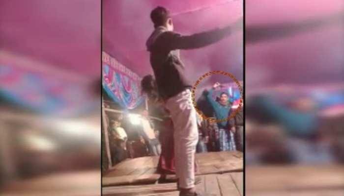 तमंचे पर डिस्को : शादी समारोह में आर्केस्ट्रा के दौरान चली गोली, डांसर घायल
