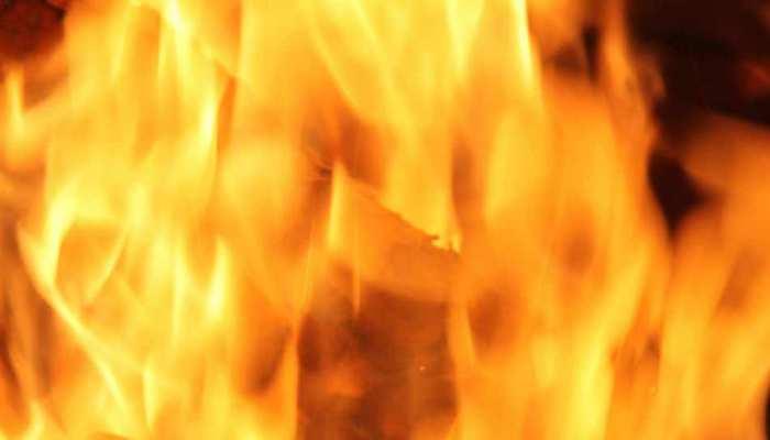 मुंबई में कपड़े के गोदाम में लगी आग, चार लोगों की मौत