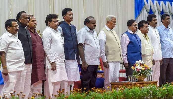 कर्नाटक में कैबिनेट विस्तार पर विवाद, कांग्रेस ने पार्टी नेताओं को चेताया