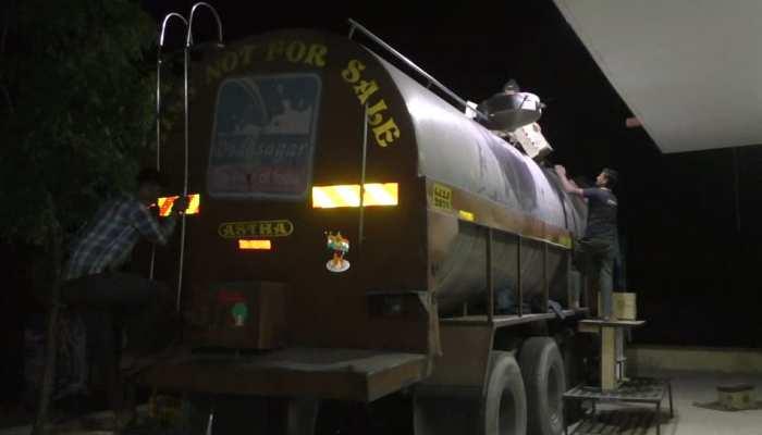 सिरोही: दूध के टैंकर में छिपाकर गुजरात ले जा रहे थे 40 लाख की अंग्रेजी शराब, गिरफ्तार