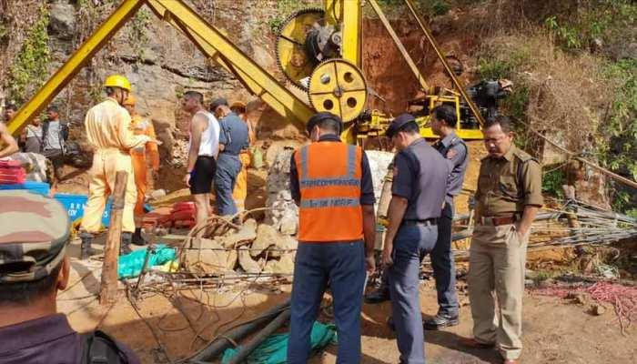 15 दिन से मेघालय की खदान में फंसे 15 मजदूरों को बचाने भुवनेश्वर से रवाना हुई NDRF की विशेष टीम...
