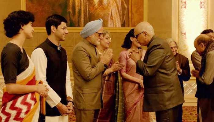 #TheAccidentalPrimeMinister: अनुपम खेर ने कांग्रेस से कहा- 'उन्हें तो भीड़ भेजनी चाहिए फिल्म देखने के लिए'