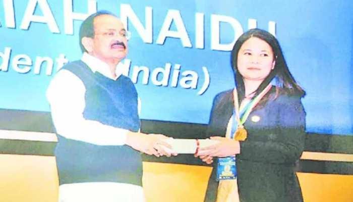 हिमाचल: चंबा SP बनीं 'चैम्पियन ऑफ चेंज', उपराष्ट्रपति ने किया सम्मानित