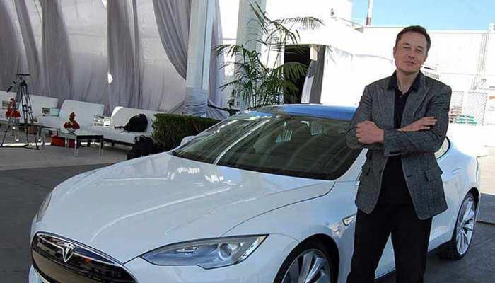 इलेक्ट्रिक कार कंपनी टेस्ला ने कर्मचारियों से नए ऑटो पॉयलट के परीक्षण को कहा