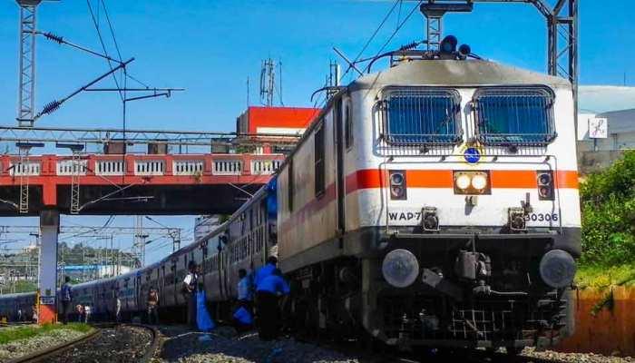 ये हैं वो खास तोहफे जो 2018 में भारतीय रेलवे ने अपने यात्रियों को दिए
