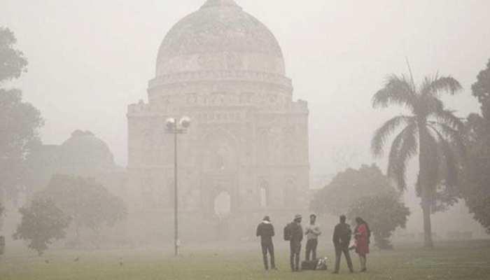 दिल्ली-एनसीआर में बढ़ा सर्दी और कोहरे का प्रकोप, विजिबिलिटी 400 मीटर से भी कम