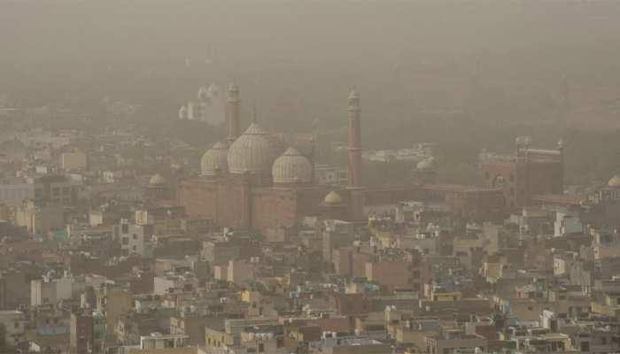 सावधान! गंभीर स्थिति में पहुंची दिल्ली की वायु गुणवत्ता, गाजियाबाद, नोएडा में हालात