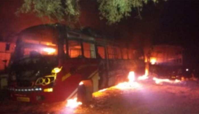 औरंगाबाद में माओवादियों का तांडव, BJP MLC के चाचा की हत्या, 10 वाहनों को फूंका