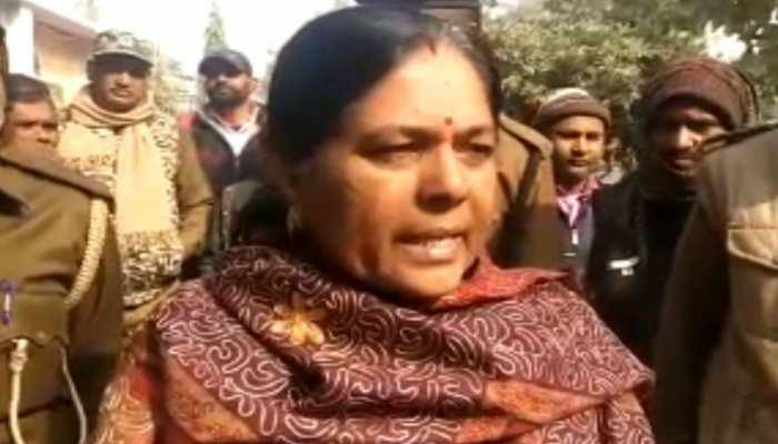 बेगूसराय: जेल में दांत दर्द से परेशान होकर रो पड़ीं मंजू वर्मा, डॉक्टरों ने किया चेकअप