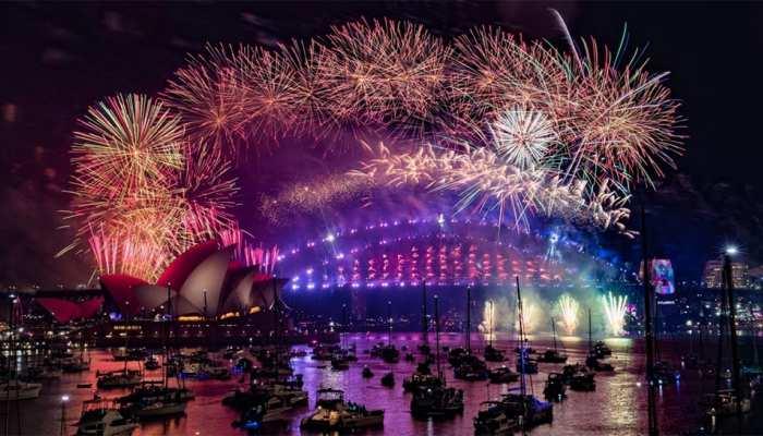 Happy New Year 2019, नए साल का हुआ आगाज, जश्न में डूबे लोग
