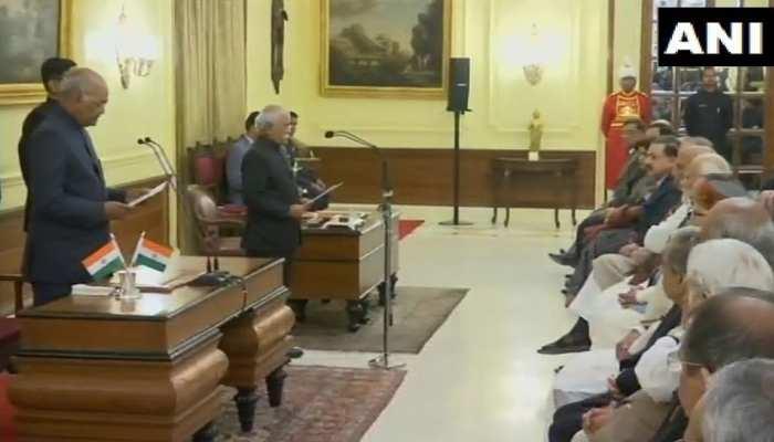 राष्ट्रपति रामनाथ कोविंद ने दिलाई सुधीर भार्गव को केन्द्रीय सूचना आयुक्त के पद की शपथ