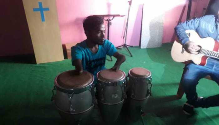 रांची: दिव्यांगता को पीछे छोड़ सबका दिल जीता, सिंगिग से लेकर ट्रिपल ड्रम बजाने में हैं माहिर