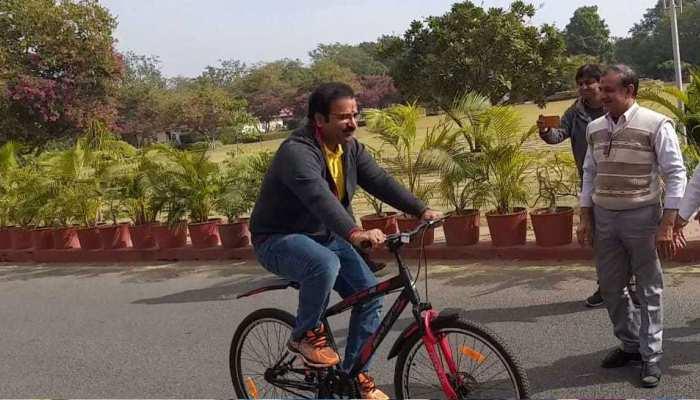 राजस्थान: परिवहन मंत्री साइकिल से गए सचिवालय, लोगों को दिया पर्यावरण संरक्षण का संदेश