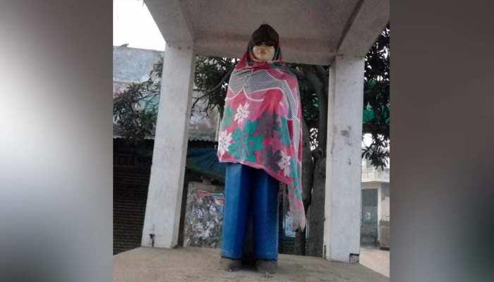 डॉ. आंबेडकर की प्रतिमा को कपड़े पहनाए, ठंड से बचाने के लिए अलाव भी जलाया, लोगों में रोष