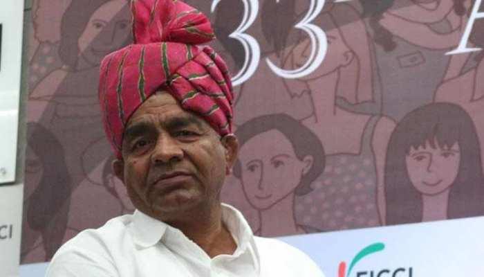 कुश्ती कोच महावीर फोगाट बोले, 'खिलाड़ियों का सम्मान करना भूल गई है हरियाणा सरकार'