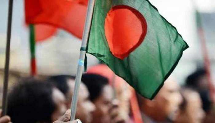 बांग्लादेश: पीएम हसीना और मनमोहन की तस्वीरों के साथ की गई छेड़छाड़, आरोपी को जेल