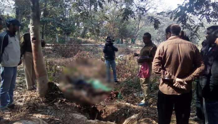 रांची : कब्रिस्तान में मिली युवक की लाश, शराब पार्टी के बाद हत्या की आशंका