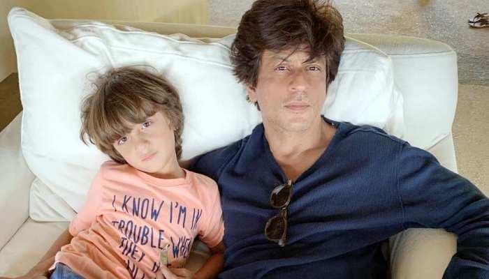 पापा शाहरुख खान के साथ ऐसे संडे मनाते हैं अबराम, सामने आई क्यूट Photo