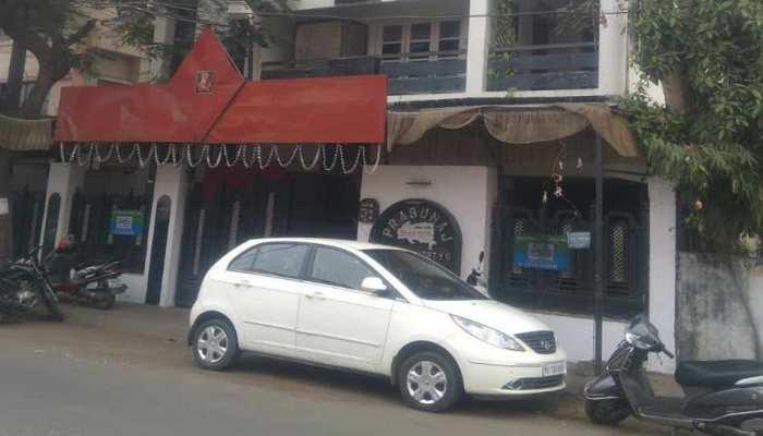 महाराष्ट्र में चोरों ने बनाया पूर्व पुलिस अधिकारी के घर को निशाना, हजारों का सामान ले भागे