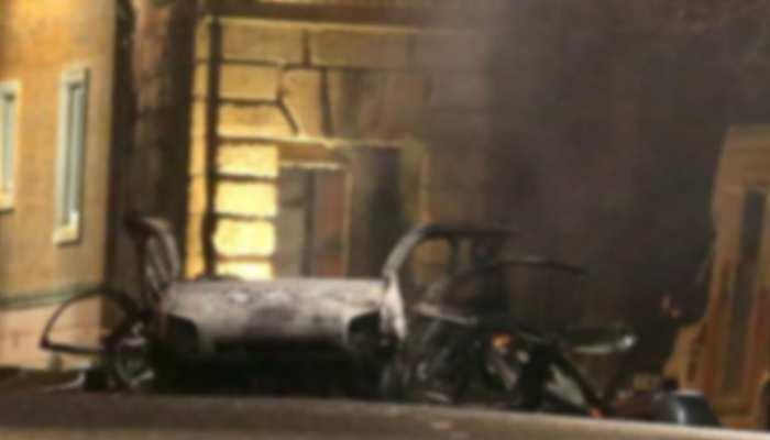 उत्तरी आयरलैंड में कार में हुआ बम विस्फोट, आतंकवादी हमले की आशंका