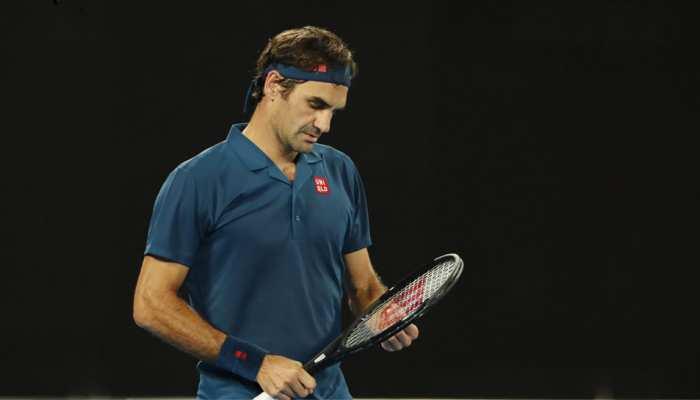 Australian Open: रोजर फेडरर चौथे दौर में ही हुए बाहर, अपने से 17 साल छोटे खिलाड़ी से हारे