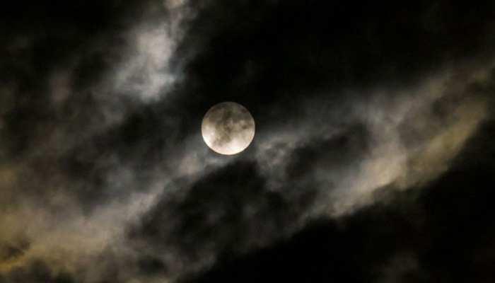 Lunar Eclipse 2019: जानें, क्यूं कहा जा रहा है साल के पहले चन्द्र ग्रहण को Super Blood Wolf Moon