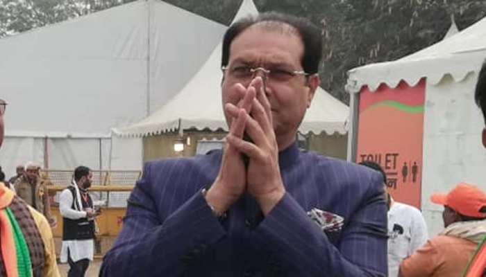 योगी के मंत्री ने फिरोज गांधी की कब्र पर अर्पित की श्रद्धांजलि, कहा-राहुल गांधी भी आएं