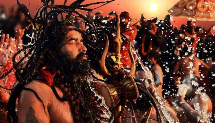 Kumbh Mela 2019: Pics of devotees and Naga Sadhus performing Makeup and Shahi Snan in Prayagraj