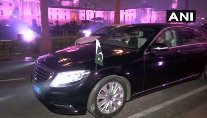 पाक मंत्री ने की मीरवाइज से फोन पर बात, विदेश सचिव ने PAK उच्चायुक्त को किया तलब