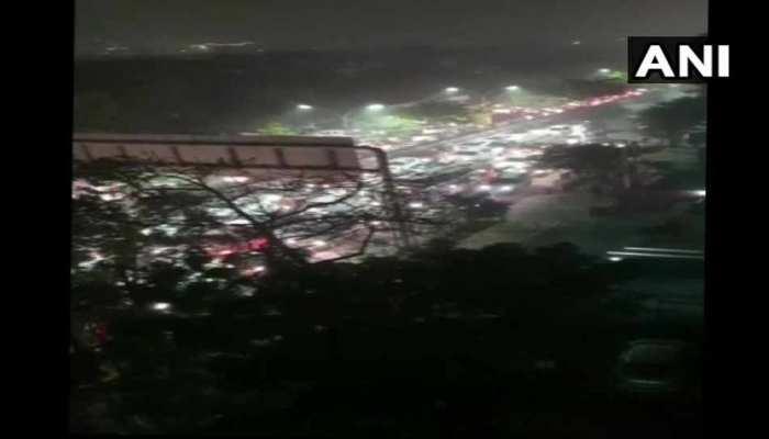 किसानों के प्रदर्शन से लगा DND फ्लाइओवर पर भारी जाम, पुलिस ने डायवर्ट किया ट्रैफिक