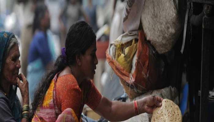 मध्य प्रदेश के इन गांवों में भूख से मजबूर हुआ गरीब, चंद रुपयों के लिए गिरवी रख रहा है राशनकार्ड