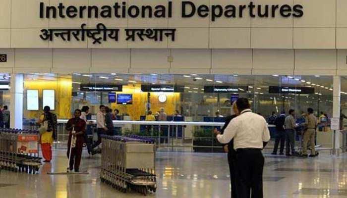 घने कोहरे के कारण दिल्ली हवाईअड्डे से विमानों के टेक ऑफ में देरी