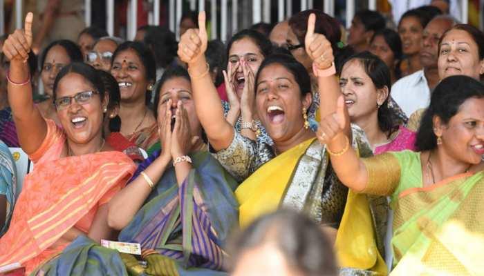 आर्थिक रूप से पिछड़े तबकों को पिछली तारीख से आरक्षण की मंत्रिमंडल ने दी मंजूरी