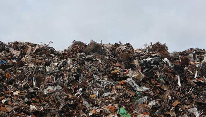 IIT मुंबई के प्रोफेसर ने कचरे के ढेर से बनाई बिजली, रौशन होंगे हजारों घर