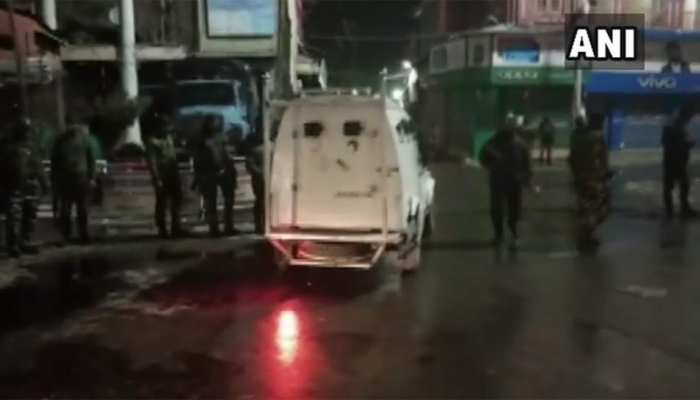 श्रीनगर के लालचौक पर ग्रेनेड हमले में सात सुरक्षाकर्मी सहित 11 घायल