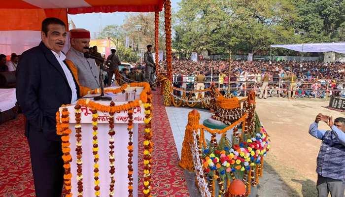 नितिन गडकरी ने बिहार में 3400 करोड़ रुपये की परियोजनाओं का किया शिलान्यास