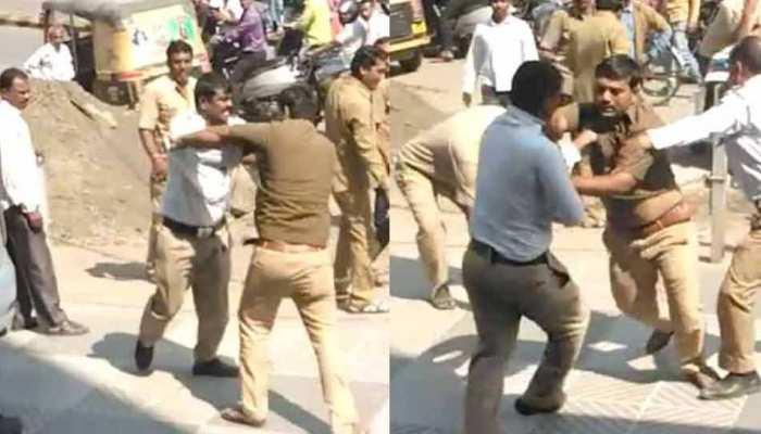 VIDEO: ऑटो चालकों ने की ट्रैफिक पुलिस कर्मियों की पिटाई, हुई गिरफ्तारी