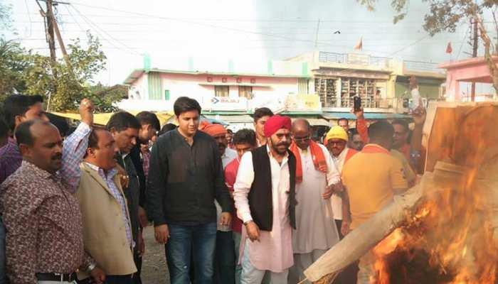 पुलवामा हमले पर बोले सांसद अभिषेक सिंह- 'अब पाकिस्तान को मुंहतोड़ जवाब देना ही होगा'
