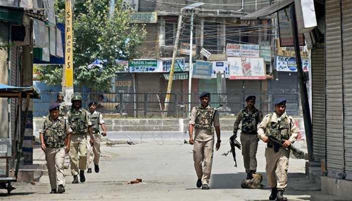 कश्मीरियों पर हमलों के खिलाफ व्यापारिक संगठन ने किया बंद का आह्वान, आम जनजीवन पर असर