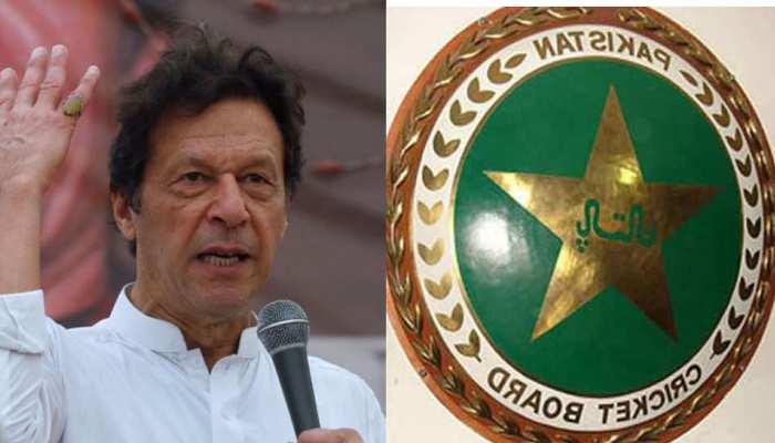 Pulwama Attack: क्रिकेट स्टेडियमों से इमरान खान की तस्वीर हटाने को PCB ने बताया अफसोसजनक