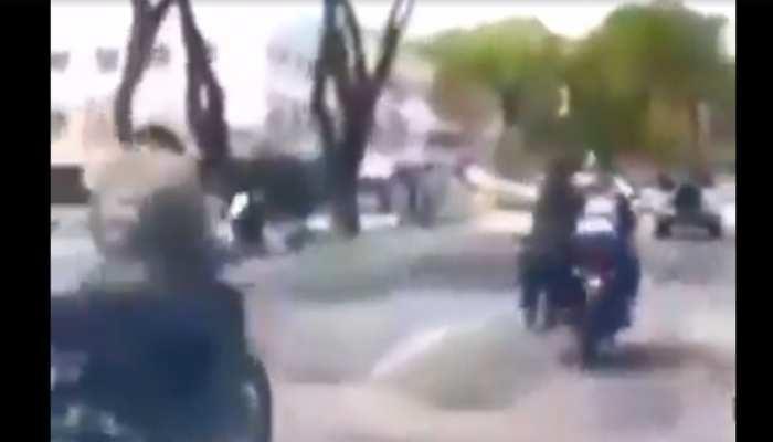 VIDEO: बीच सड़क चोर ने खींची चेन, पकड़ने के लिए शख्स ने किया ऐसा कारनामा कि....
