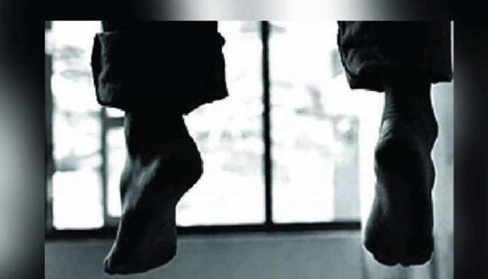 जयपुर: सरस डेयरी के डिप्टी मैनेजर ने की आत्महत्या, पंखे से लटकी मिली लाश