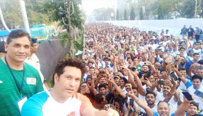 पुलवामा हमला: शहीदों के परिजनों के लिए आगे आए 'क्रिकेट के भगवान', पुश-अप करके जुटाएंगे मदद